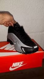 Nike Shox r4 linha Premium refletivel novo na caixa últimos pares n 40 e 42