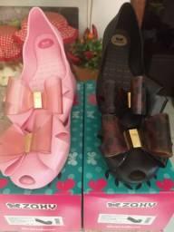 Vende se essas sapatilhas (1 por 30.00 2 por 50.00)