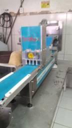 Máquina  de fábrica  pastéis