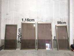 Portas de alumínio anodizado