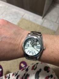 Relógio em perfeito estado