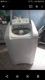 Uma lavadora de roupa Electrolux 110 Volts