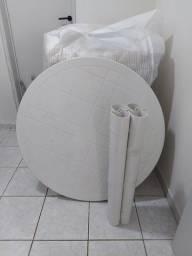 Mesa Plástica com pés removíveis