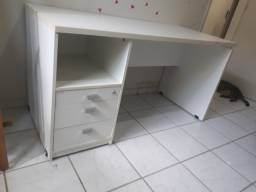 Mesa com gavetas branca Pandin