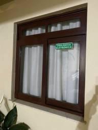 1Janela canela com vidros, e vistas, medidas na descrição