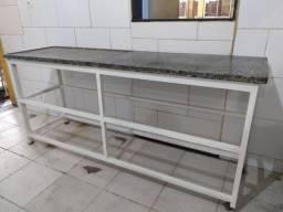 Mesa para bater massas e todo tipo de alimentos ( pizza, macarrão, churrasco )