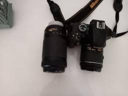 Nikon D3400 com lente AF-P 18-55mm f/3.5-5.6G VR.VEM COM LENTE 70x300mm.