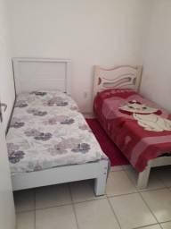2 camas com colchão