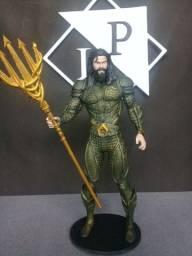 Estátua colecionável Aquaman Liga da Justiça