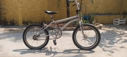 Título do anúncio: <br>Bicicleta Aro 20 Fmx Crom/Preto