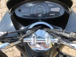 Título do anúncio: Pcx 2015 Honda preto Km 40.038 R$7.920