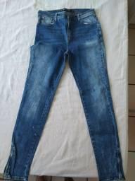Título do anúncio: Calças jeans novinhas(45 reais cada)