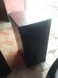 caixa de som montado fones de 15