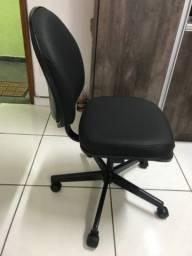 Título do anúncio: Cadeira giroflex para ate 150 kilos