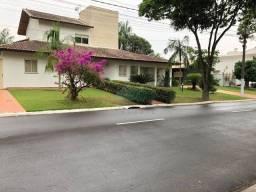 Título do anúncio: Sobrado com 6 dormitórios, sendo 2 suítes, à venda, 430 m² por R$ 1.700.000 - Condomínio R