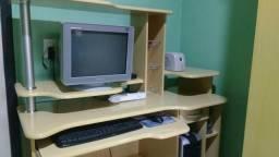Computador com mesa / 998537536