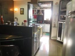 Apartamento projetado e mobiliado em Tambaú com 3 quartos (sendo 2 suítes)