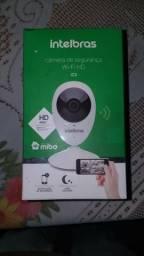 Câmera Intelbras Wi-fi HD nova na caixa