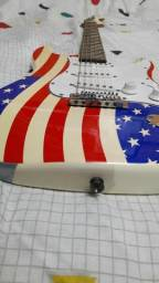 Guitarra Eagle Branca Personalizada