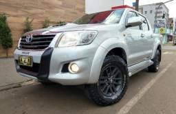 Toyota\Hilux SR 3.0 D4-D Aut 4x4 - Seminova - 2014