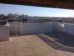 Ampla cobertura de 275 m², área nobre, a pé p/a Praia e Centro, com dependência e terraço