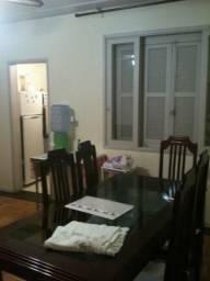 Apartamento mobiliado de dois dormitórios no Centro