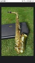Saxofone alto MIb Eb marca VOGGA