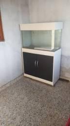 Aquário com armário