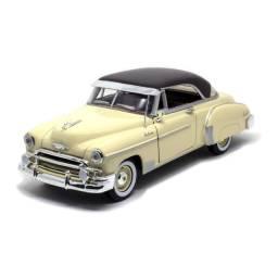 Miniatura de Ferro Chevy Bel Air 1950 1/24 20cm Motormax
