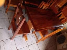 Mesa com 4 cadeiras semi nova. Leia o anúncio ok.