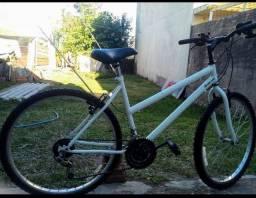 Bicicleta aro 24 em ótimas condições
