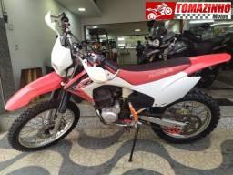 Honda CRF 230 vermelha 2016 troco por moto de rua