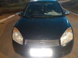 Carro Fiesta Sedan