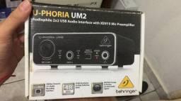 Interface de áudio behringer