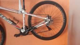 Bike aro 29, preço pra vender logo!