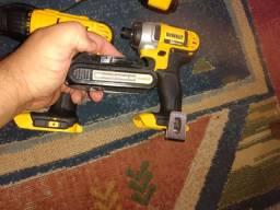 Dewalt Kit furadeira e parafusadeira ( chave de impacto) 20v com carregador