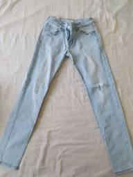 Título do anúncio: Calça jeans feminina Novinha