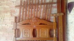 Título do anúncio: Vendo cama de madeira de casal