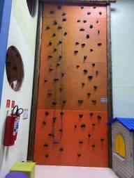 Parede de escalada 6 m de altura com 2 vias