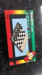 Título do anúncio: Temos xadrez de imã pequeno somente 15 reais