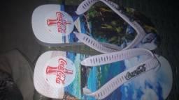 Baby dool e uma sandália da Coca cola