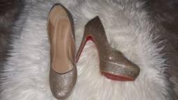Título do anúncio: Sapato feminino de luxo