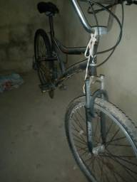 Bike CALOI Aro26, Câmbio SHIMANO, passadores RAPIDFIRE, Amortecedor MODE