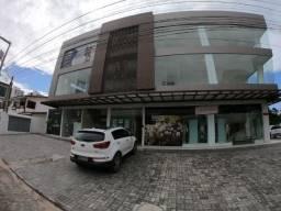 Sala comercial no Aeroclube, por trás do Pão de Açúcar, 50m², boa localização.