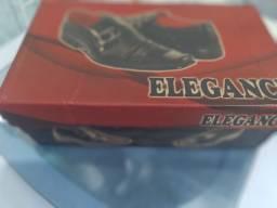 Sapato ELEGANCI Black vinil ,n°42 , totalmente novo