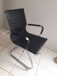 Cadeiras eames esteirinha