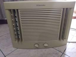 Ar-condicionado Eletrolux 7500 BTUS - 127V