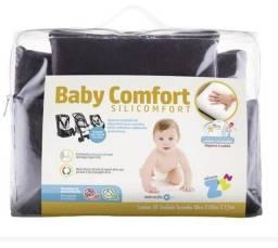Assento estofado para bebê conforto, carrinho ou cadeirinha automotiva.