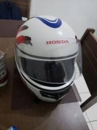 Título do anúncio: Vendo capacete tamanho 60