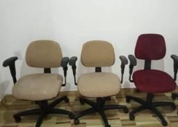 Título do anúncio: Cadeira giratoria ergonômica R$ 200,00